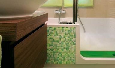 Dusch-Badewanne mit Tür – Duschen und Baden auch in kleinen Bädern