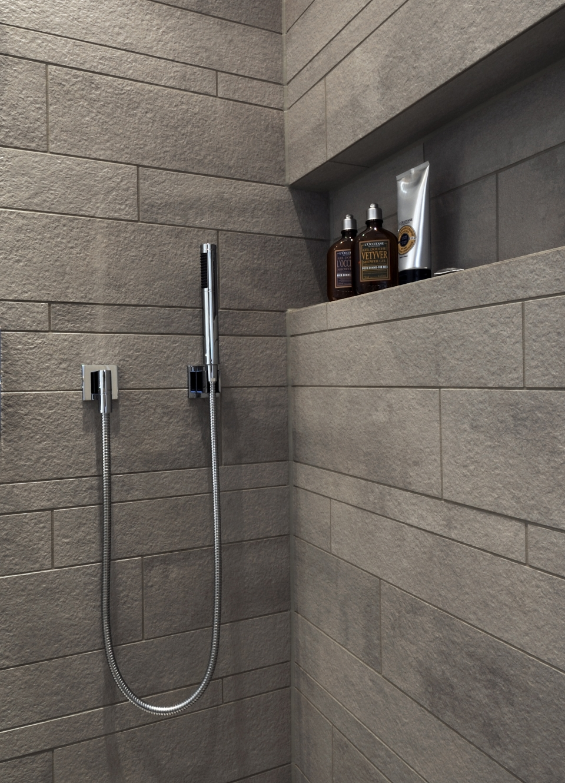 Maskuline Dusche mit Nische für Duschgel und anderes