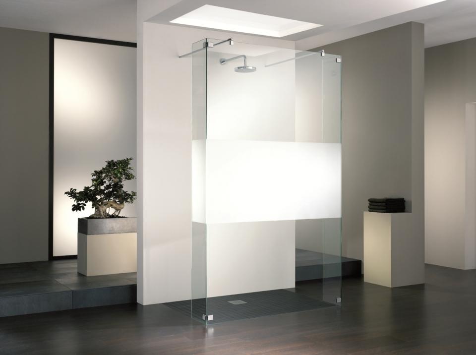 Rahmenlose Duschabtrennungen aus Glas