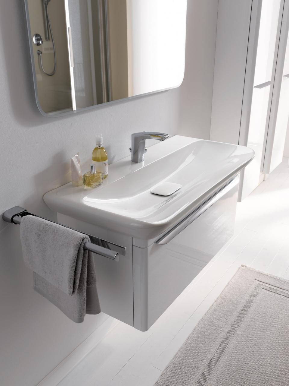 Ein unsichtbares Ab- und Überlaufsystem ersetzt das Überlaufloch am Waschbecken.