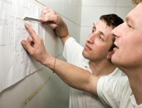 Als Projektleiter übernehmen Sie die Gesamtleitung von kompletten Aufträgen und die Koordinierung der Monteure.