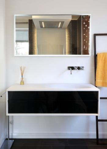Falper bringt klare Linien, schöne Oberflächen und interessante Becken in zeitlosem Design ins Bad.
