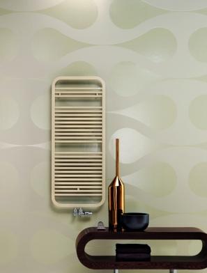 Es muss nicht immer eckig sein: Mit abgerundeten Ecken und einer klaren, schnörkellosen Formensprache ist der Heizkörper Enso von Zehnder ein echtes Designstück für Ihr Bad.