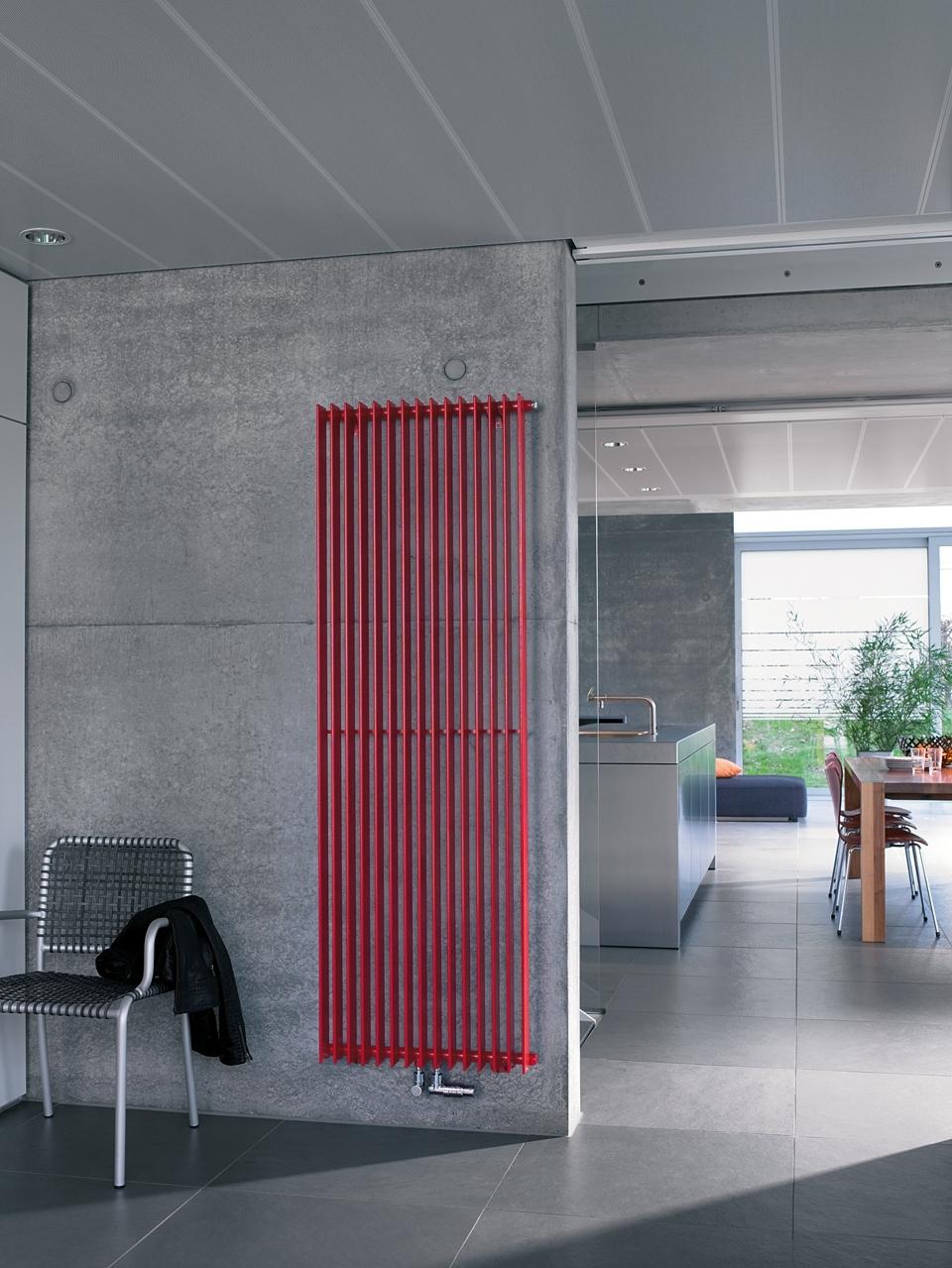 Klassisch: Mit seinen lassisch-eleganten Flachovalrohren wirkt der Zehnder Excelsior leicht und transparent.