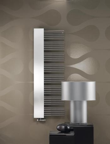 Der Klassiker Zehner Yucca Mirror neu interpretiert im puristisch-modernen Look für ein trendbewusstes Wohn-Ambiente.