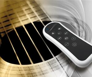 Mit der wasserdichten Fernbedienung steuern Sie Ihre Musik über Radio oder MP3-Player.