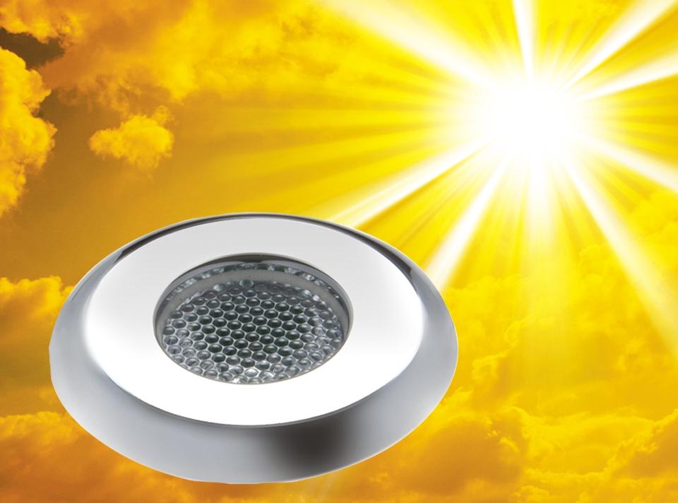 LED-Scheinwerfer sorgen für stimmungsvolles Licht beim Dampfbad.